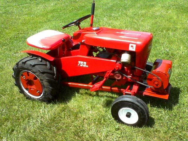 Wheel Horse Tractors : Stock pulling tractor wheel horse tractors