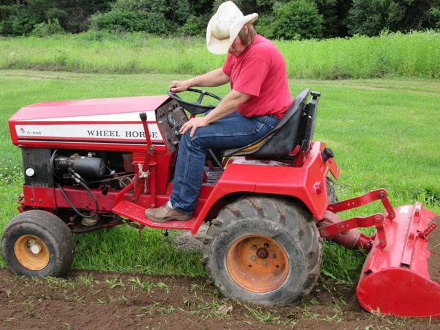 D250 tilling - Wheel Horse Tractors - RedSquare Wheel ...