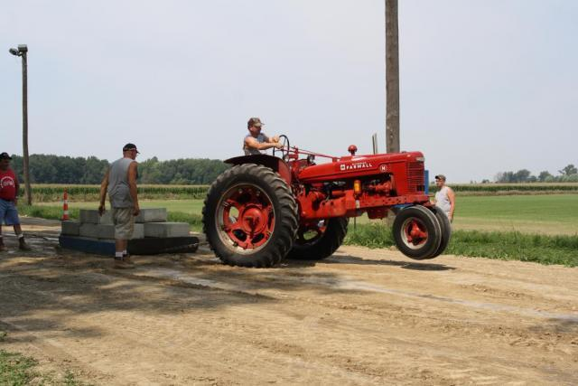 Tractors Hooked Together : Pulling the big tractor non related discussion