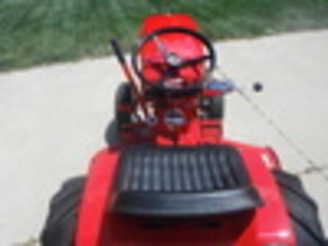 1056 wheelhorse 004.JPG