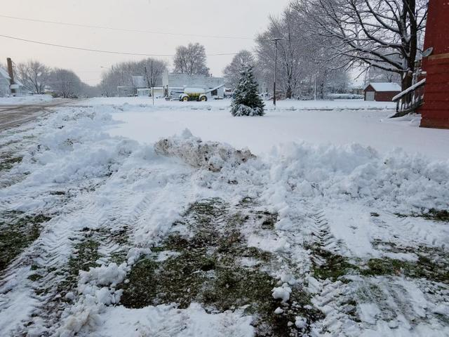 snow day 12-04-16.jpg