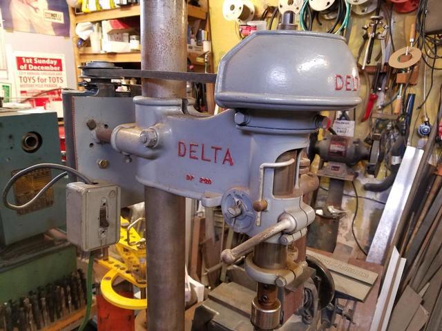 Delta DP220 2.jpg