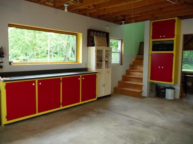 cabinets 001.jpg