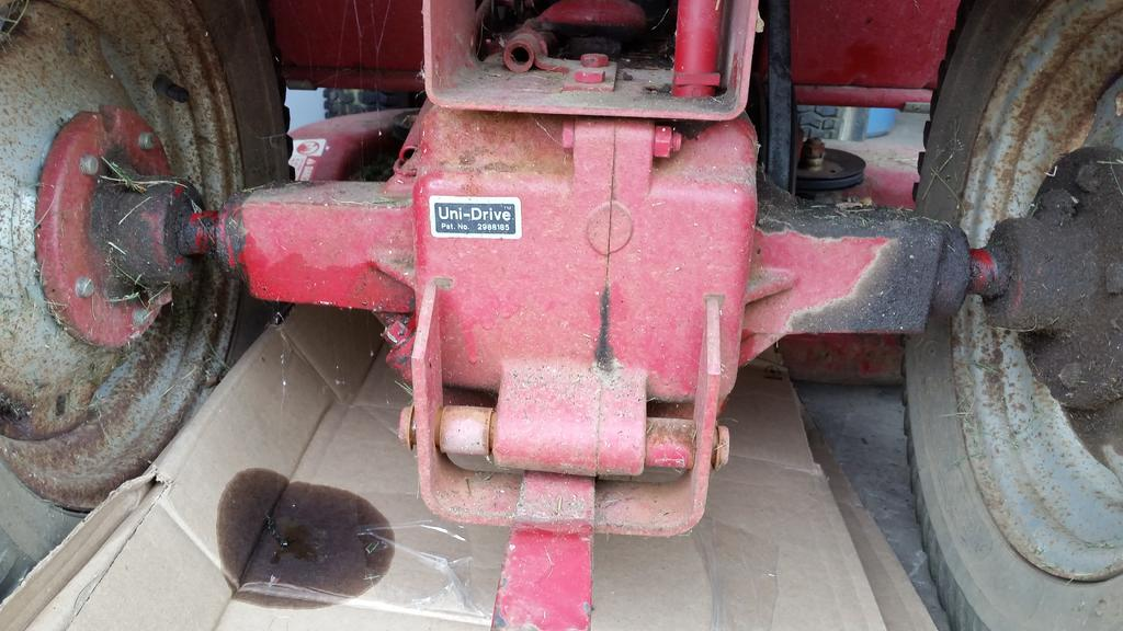 Wheelhorse 308-8 Axle Seals - Transmissions And Transaxles