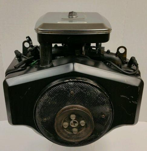 18hp-briggs-stratton-422437-0721-opposed-twin-engine-1-x-2-13-16-horizontal-9b3bb982d5029ae86636709f4aa91202.jpg.069a831601abdf81ba57c6f8cd2e34b1.jpg