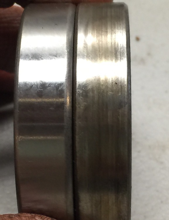 Side by Side comparison of 111199 and 1533 bearings.JPG